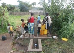Fornitura dell'acqua potabile a Popokabaka