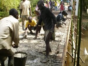 Construction d'un pont en béton armé